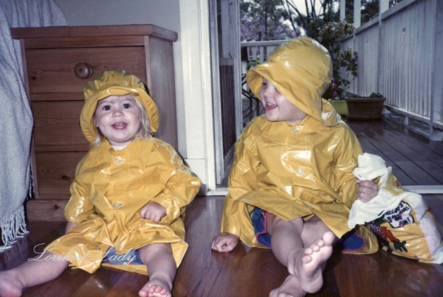 Playing in raincoats – Version 2