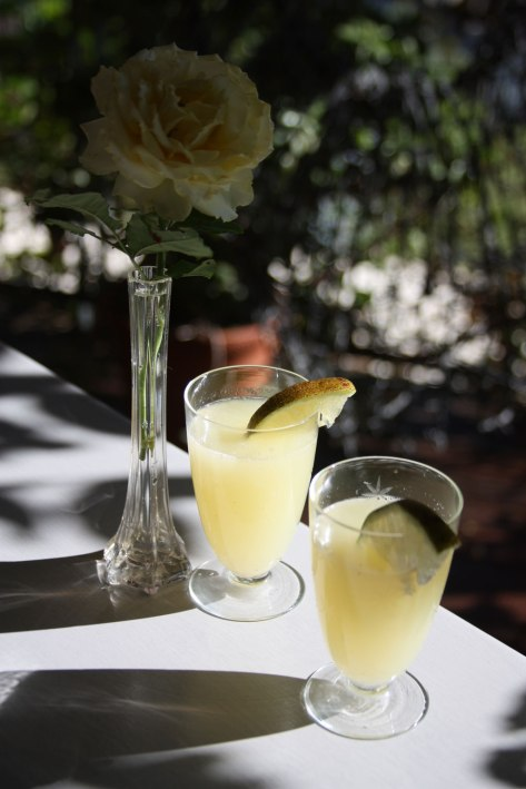 Web-lemonade-with-rose