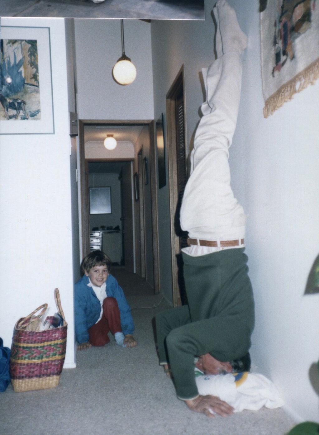 Web-Sid-handstand