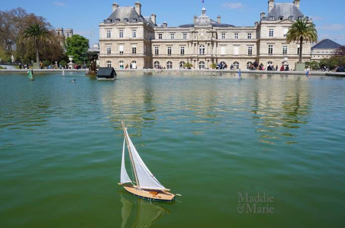 web_sailing-boat-on-pond-jardin-du-luxembourg