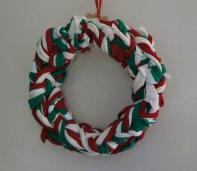 Arm-knit-wreath-03573